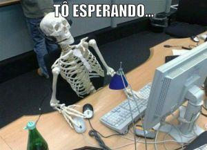 Esqueleto esperando a RF